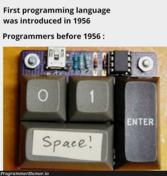 Binary masterrace   programming-memes, programmer-memes, program-memes, language-memes, programming language-memes, binary-memes   ProgrammerHumor.io